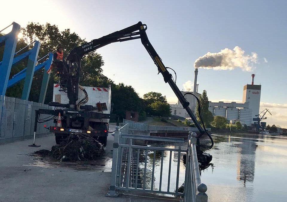 Arbeiten am Wasserkraftwerk Bremen